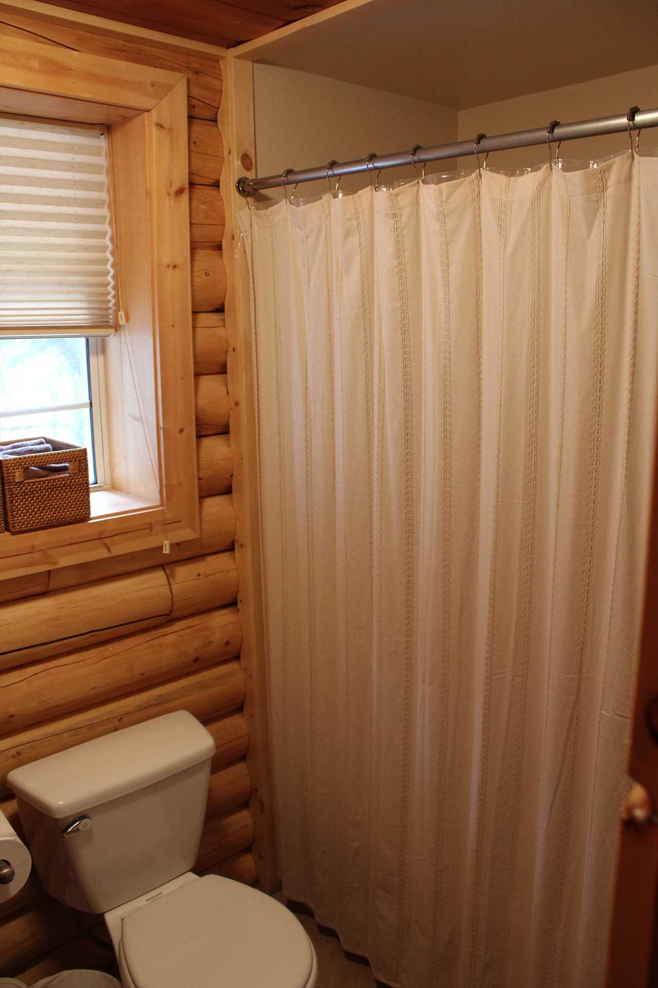 Tub/Shower in Bathroom