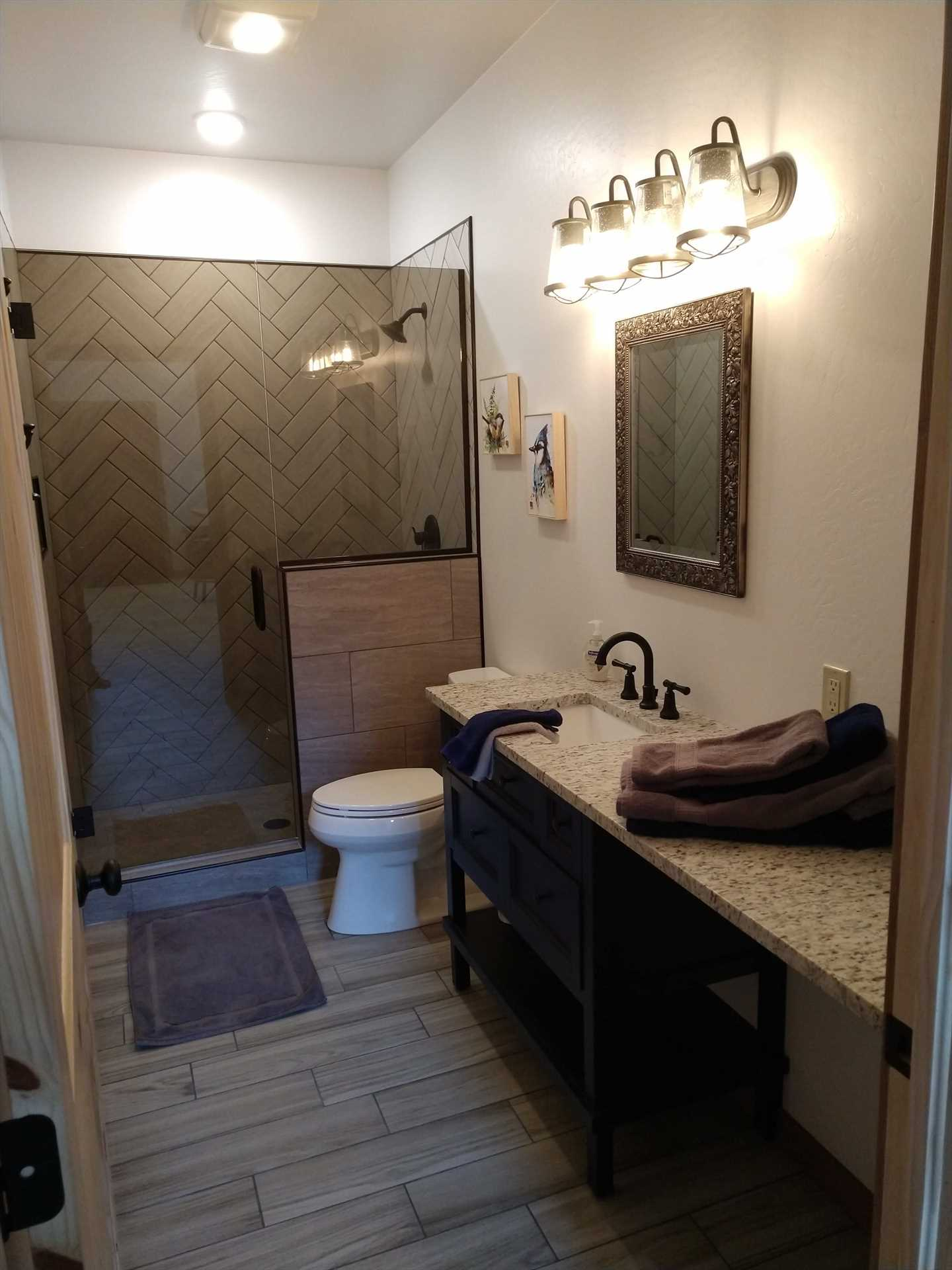 Full Bathroom in Bunkhouse
