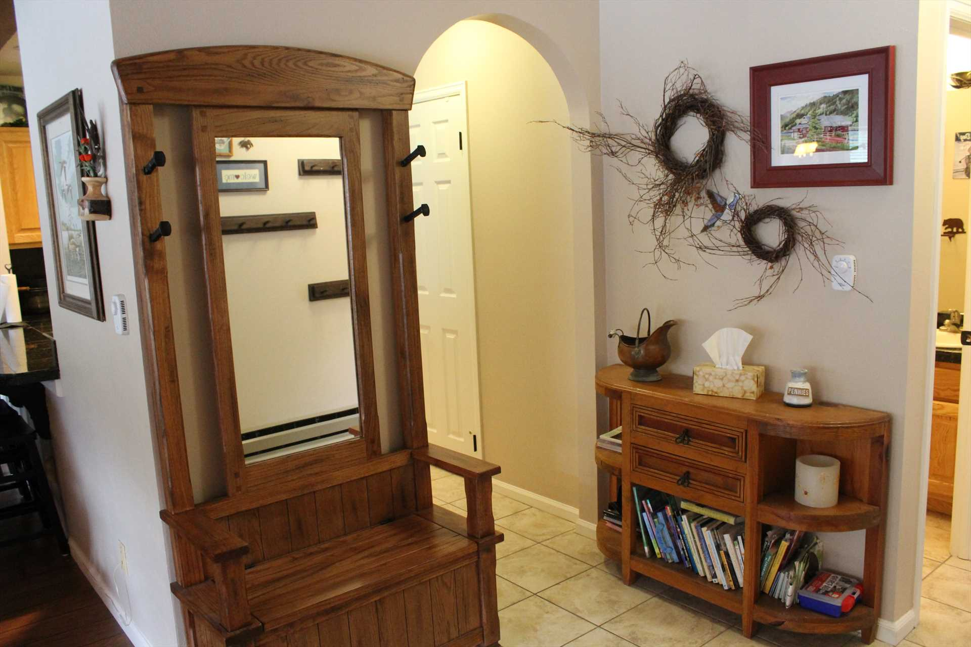 Entry way from front door looking into kitchen