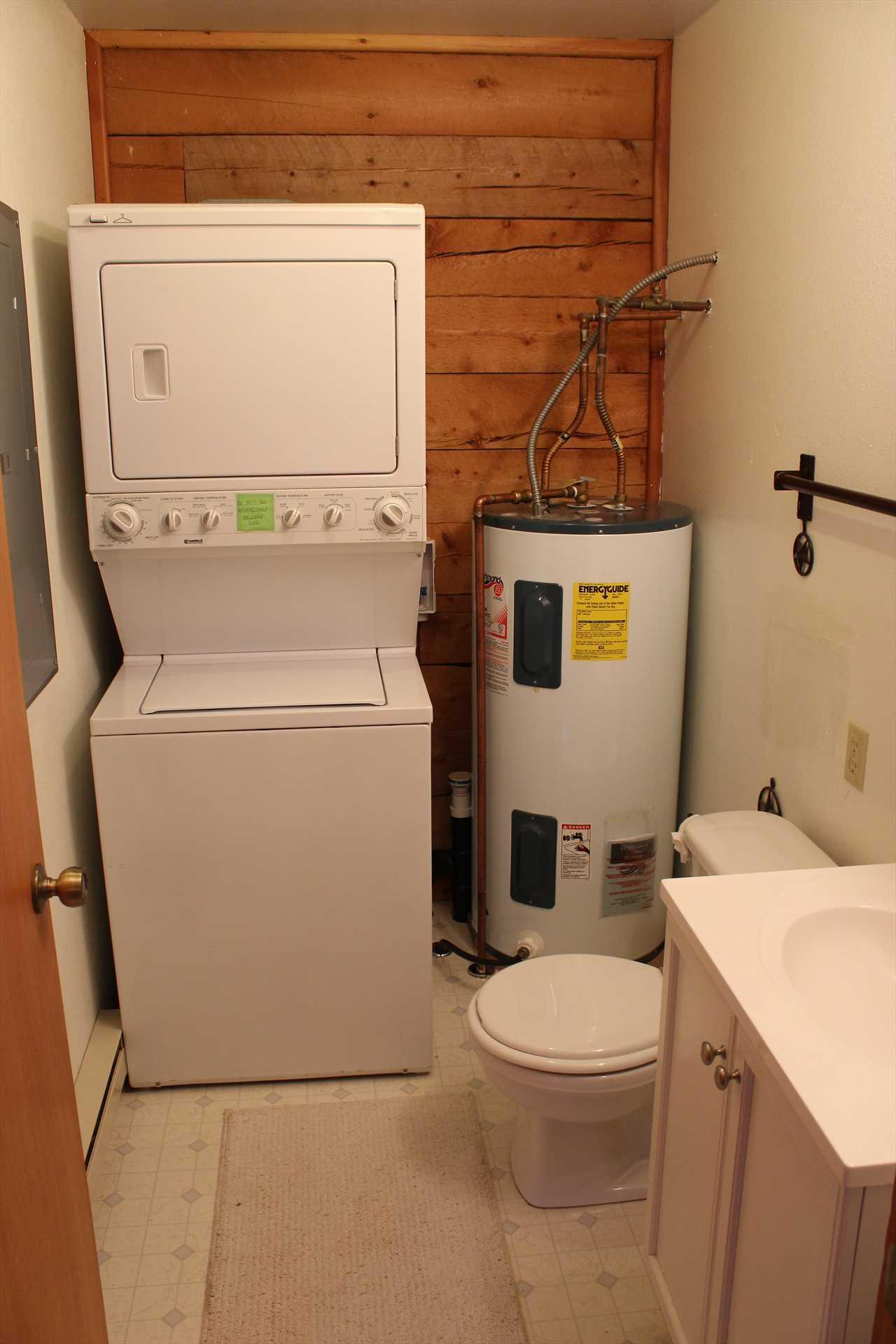 1/4 Bathroom with Washer/Dryer