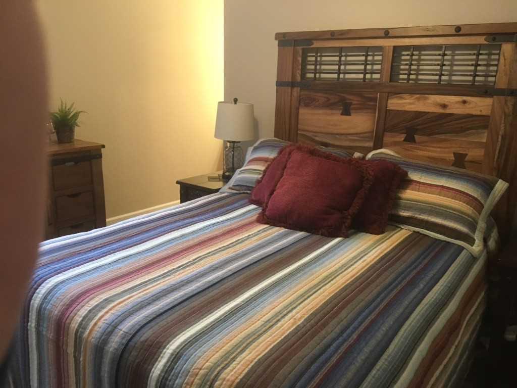 Qeen Bed in 2nd Bedroom