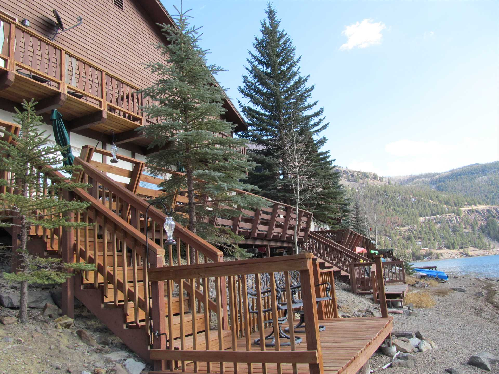Deck with steps down to the lake.  Bring your kayak!!